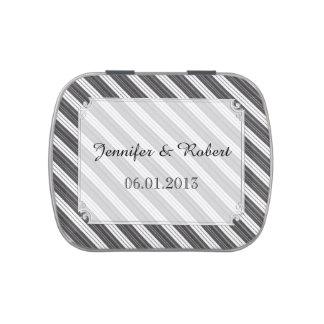 Latas diagonales blancos y negros del boda de la latas de caramelos