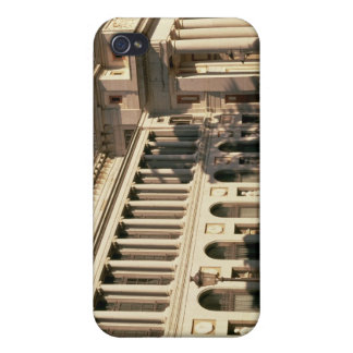 Lateral view of the Museum Case For iPhone 4