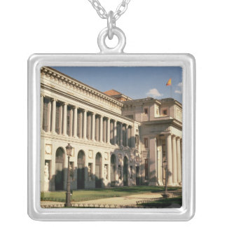 Lateral view of the Museum Silver Plated Necklace