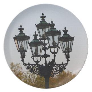 Latern Lamp Dinner Plates