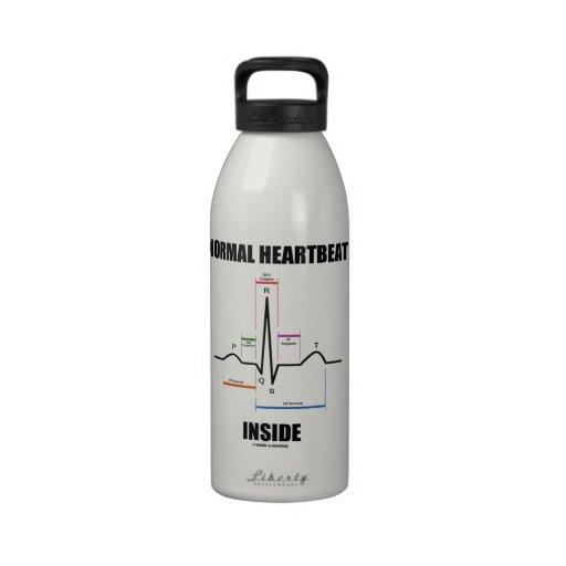 Latido del corazón normal dentro del electrocardio botella de beber