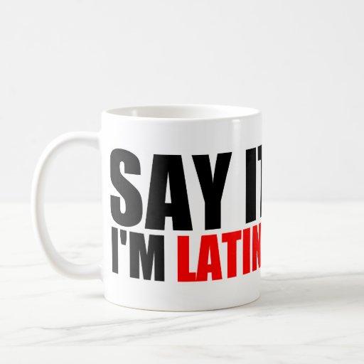 Latina y orgulloso taza básica blanca