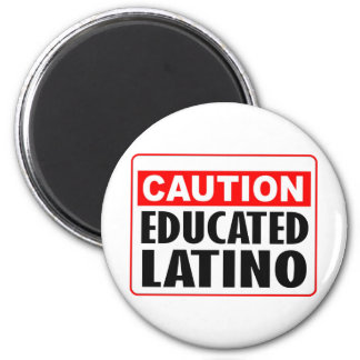 Latino educado de la precaución imanes