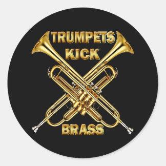 Latón del retroceso de las trompetas pegatina redonda