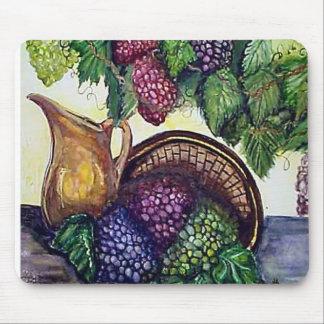 Latón y uvas alfombrillas de ratón
