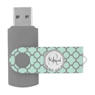 Laurel con monograma conocido gris de Quatrefoil Memoria USB 2.0 Giratoria