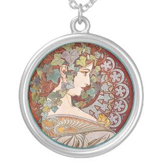 Laurel, ejemplo de Nouveau del arte de Alfonso Muc Joyerías