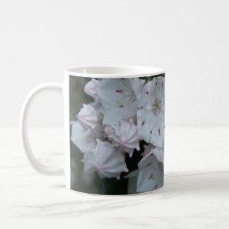 Laurel Mug