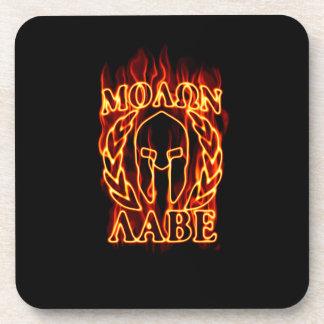Laureles calientes de la máscara del guerrero de posavasos