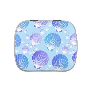 Lavanda y seashells azules en azul claro frascos de caramelos