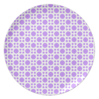 Lavender on White Circle Pattern Plate