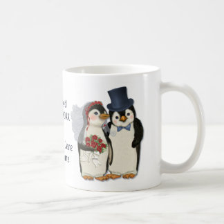 Lazo de novia y del novio del boda del pingüino -  taza básica blanca