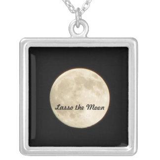 Lazo el collar de la luna
