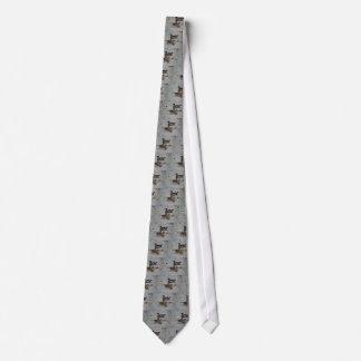 Lazo gris de los patos de madera corbata