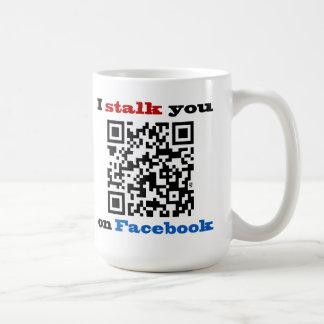 Le acecho en el código de Facebook QR Taza De Café