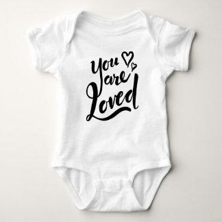 Le aman - equipo inspirado del bebé remeras