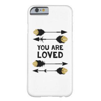 Le aman - negro y oro - llama por teléfono al caso funda para iPhone 6 barely there