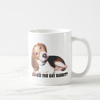 Le hizo para decir la taza del beagle del conejo