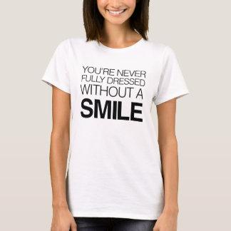 Le nunca visten completamente sin una sonrisa playera