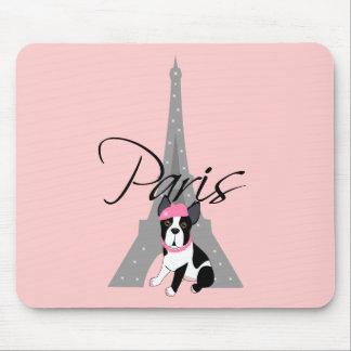Le petit chien à Paris Mouse Pad