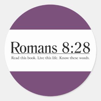 Lea el 8:28 de los romanos de la biblia pegatina redonda