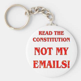 Lea la constitución no mis correos electrónicos llavero redondo tipo pin