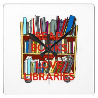 Lea los libros y ame el reloj de las bibliotecas