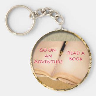 Lea un diseño redondo del libro llavero personalizado
