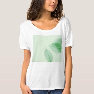 Leaf skeletons on pale green Bella short-sleeve t T-Shirt