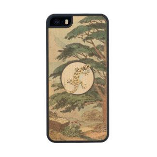 Leaf-Toed Gecko In Natural Habitat Illustration Carved® Maple iPhone 5 Slim Case