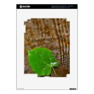 Leaf under water skins for iPad 3