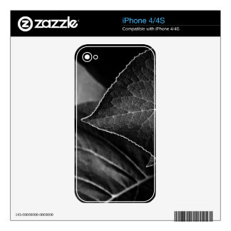 leaves being decals for the iPhone 4