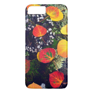 Leaves on a lichen covered rock, Rocky Mountains iPhone 8 Plus/7 Plus Case