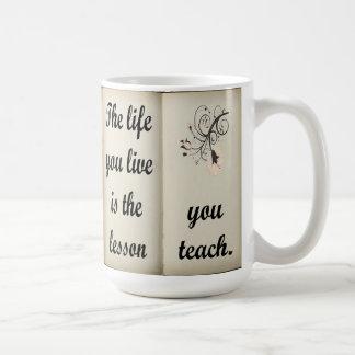 Lección usted enseña a la taza