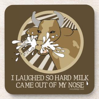Leche de vaca hacia fuera mi nariz posavaso