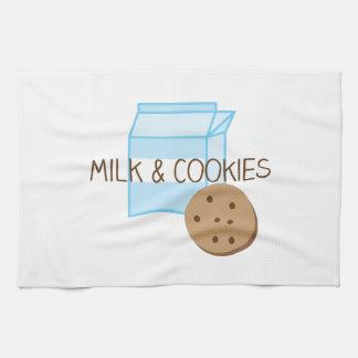 Leche y galletas toallas de cocina