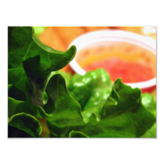 Lechuga de hoja verde con la foto anaranjada de la