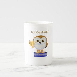Lector de la primera clase taza de porcelana