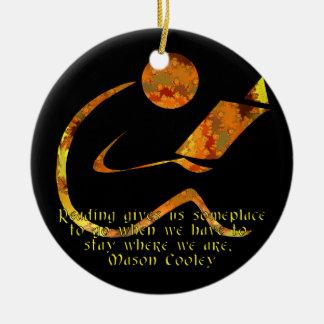 Lector - ornamento oscuro de oro adorno navideño redondo de cerámica