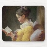 Lectura de la chica joven, c.1776 tapete de ratón