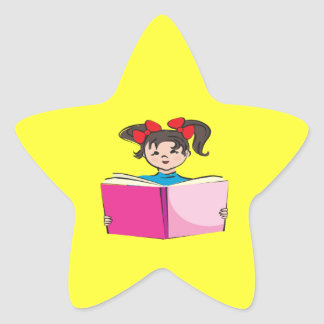 Lectura del chica pegatina en forma de estrella