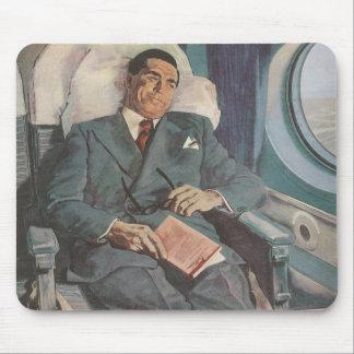Lectura del viajero de negocios del vintage en el  alfombrilla de ratón