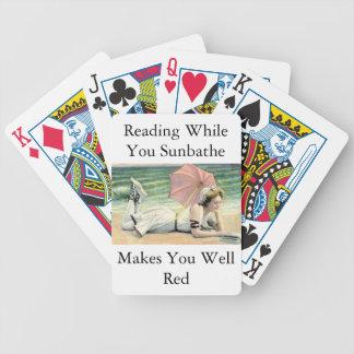 Lectura mientras que usted toma el sol humor baraja de cartas bicycle