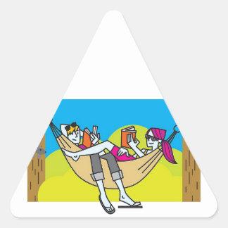 Lectura romántica en el verano pegatinas trianguloes