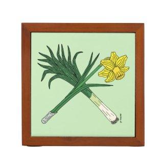 Leek and Daffodil Crossed Pencil Holder