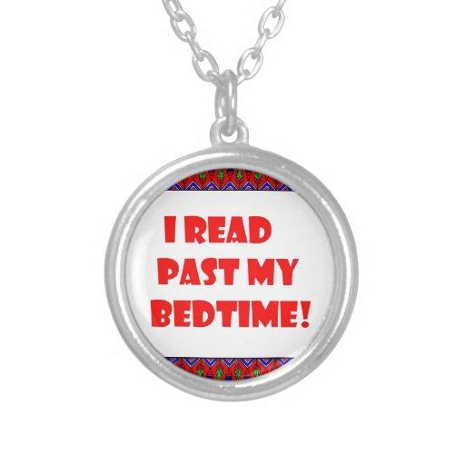 Leí más allá de mi bedtime.jpg colgante redondo