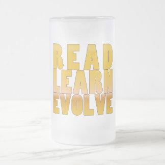 Leído aprenda se desarrollan taza de cristal