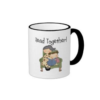 Leído junto - abuela y camisetas y regalos del taza de dos colores