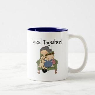 Leído junto - abuela y camisetas y regalos del taza de dos tonos