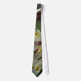 Lemon Blossoms Tie